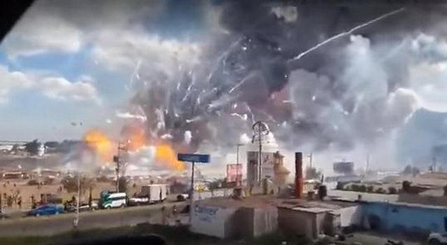Взрыв фейерверков в Мексике