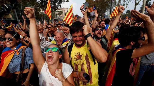 Парламент Каталонии объявил независимость